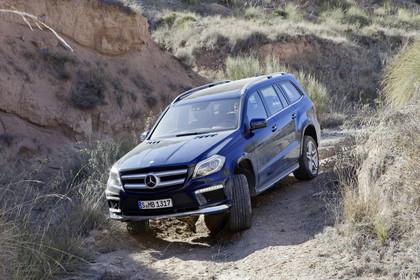 Mercedes-Benz GLS X166 Aussenansicht Front schräg dynamisch blau