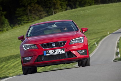 SEAT Leon SC 5F Front dynamisch rot