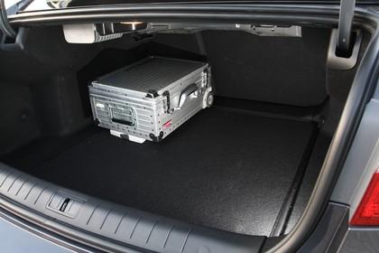 Renault Latitude L70 Innenansicht statisch Kofferraum