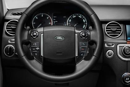 Land Rover Discovery 3/4 Innenansicht Detail Fahrersicht statisch schwarz