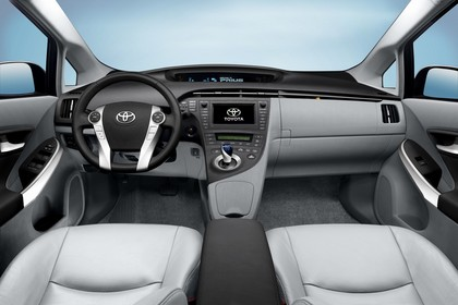 Toyota Prius ZVW30 Innenansicht statisch Studio Vordersitze und Armaturenbrett