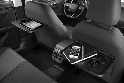 SEAT Leon ST 5F Innenansicht Rücksitze und Vordersitze beifahrerseitig