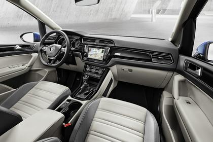 VW Touran 2 Innenansicht Beifahrerposition statisch grau