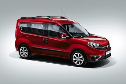 Fiat Doblo 263 Aussenansicht Seite schräg statisch Studio rot