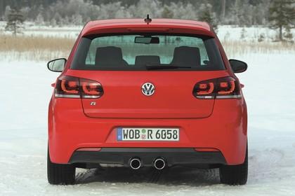 VW Golf 6 R Fünftürer Aussenansicht Heck statisch rot