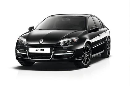 Renault Laguna Limousine T Facelift Aussenansicht Front schräg statisch Studio schwarz