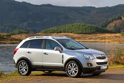 Opel Antara L-A Facelift Aussenansicht Seite schräg statisch weiss