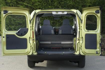 Peugeot Bipper Tepee A Innenansicht statisch Kofferraum Rücksitze umgeklappt