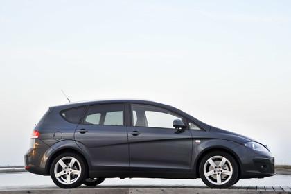 SEAT Altea XL 5P Facelift Aussenansicht Seite statisch dunkelblau