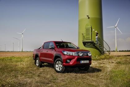 Toyota Hilux AN1P Aussenansicht Front schräg statisch rot