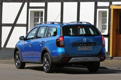 Dacia Logan MCV Stepway K8 Aussenansicht Heck schräg statisch blau