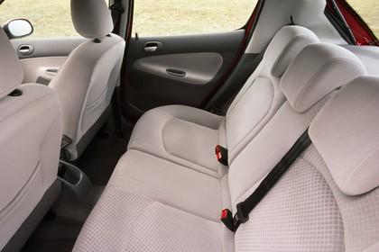Peugeot 206 Fünftürer Innenansicht statisch Rücksitze fahrerseitig