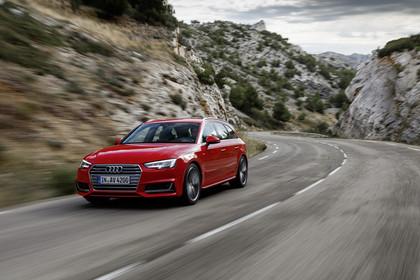 Audi A4 B9 Avant Aussenansicht Front schräg dynamisch rot