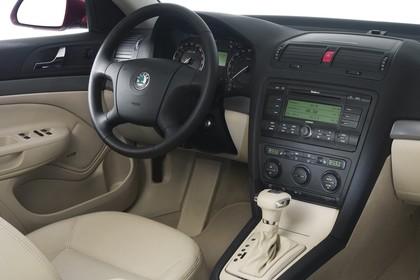 Skoda Ocavia 1Z Innenansicht Beifahrerposition Studio statisch beige schwarz