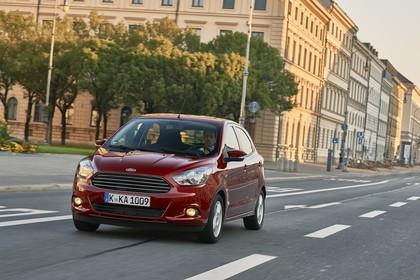 Ford KA+ Front schräg dynamisch rot