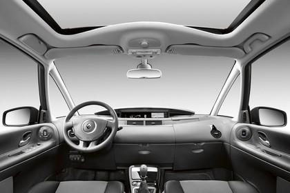 Renault Espace JK Facelift Innenansicht statisch Studio Vordersitze und Armaturenbrett