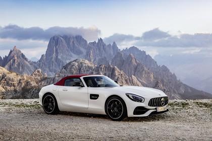 Mercedes-AMG GT Roadster C190 Aussenansicht Front schräg statisch weiss