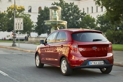 Ford KA+ Heck schräg dynamisch rot
