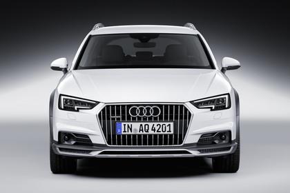 Audi A4 allroad quattro Aussenansicht Front Studio statisch weiss