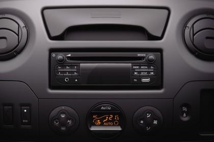 Renault Master 3 Combi Innenansicht statisch Studio Mittelkonsole