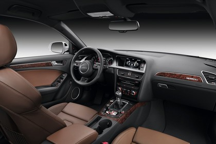 Audi A4 B8 Avant Innenansicht Beifahrerposition Studio statisch braun