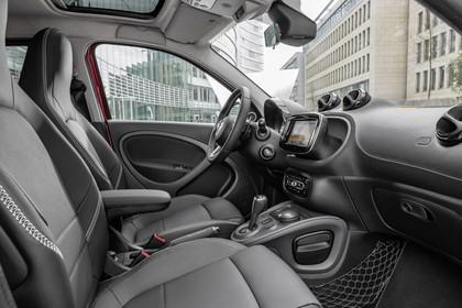 Smart Fortwo 453 Innenansicht Fahrer und Beifahrersitz statisch