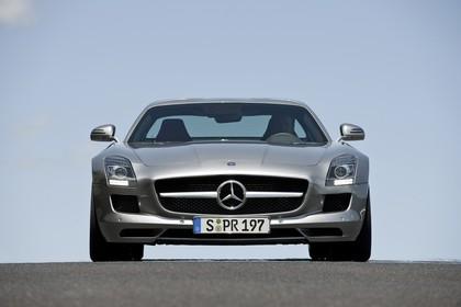 Mercedes-Benz SLS AMG Coupé C197 Aussenansicht Front statisch silber