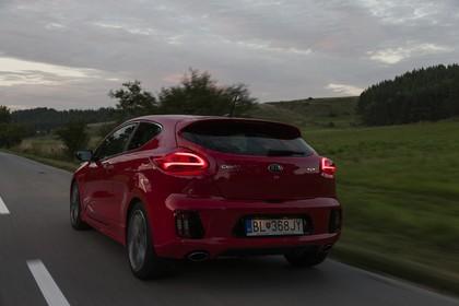Kia Cee´d GT / pro_cee´d GT JD Aussenansicht Heck dynamisch rot