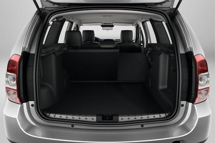 Dacia Duster SD Innenansicht statisch Studio Kofferraum Rücksitze umgeklappt