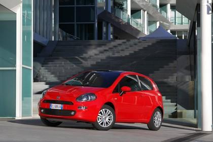 Fiat Punto Evo 199 Aussenansicht Front schräg statisch rot