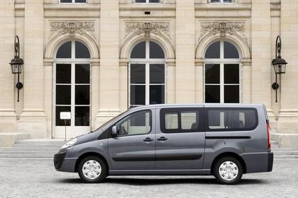 Citroën Jumpy II Aussenansicht Seite statisch grau