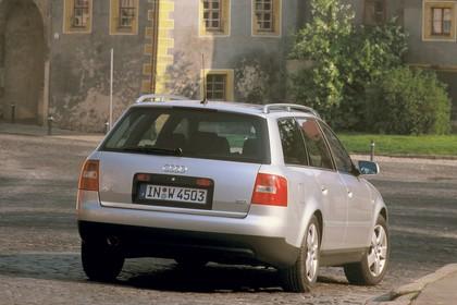 Audi A6 Avant C5 Aussenansicht Heck schräg statisch silber