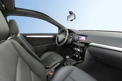 Opel Astra GTC 3Türer Innenansicht Befahrerposition Detail Panoramascheibe Studio statisch grau