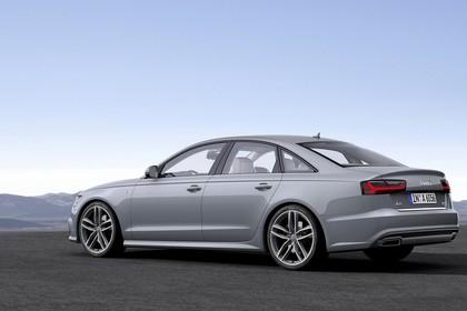 Audi A6 C7 Aussenansicht Seite schräg statisch silber