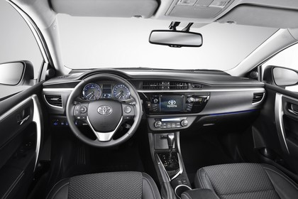 Toyota Corolla E170 Innenansicht Studio statisch schwarz