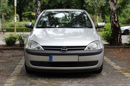 Opel Corsa C 3Türer Aussenansicht Front statisch silber