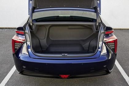 Toyota Mirai Innenansicht Detail statisch schwarz blau Kofferraum