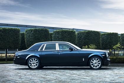 Rolls-Royce Phantom Aussenansicht Seite statisch dunkelblau