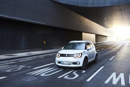 Suzuki Ignis FF21S Aussenansicht Front schräg dynamisch weiss