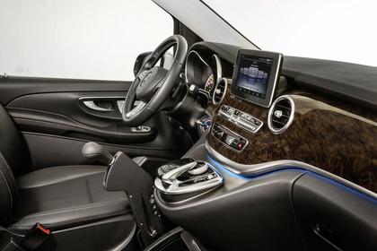 Mercedes V-Klasse 447 Innenansicht Detail Armaturenbrett Studio statisch schwarz