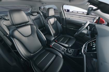 Opel Astra K 5türer Innenansicht Vordersitze Sport 6Gang statisch schwarz