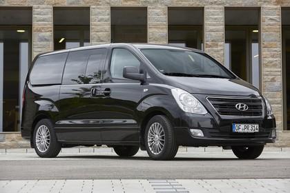 Hyundai H-1 Travel TQ Aussenansicht Front schräg statisch schwarz