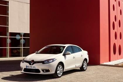 Renault Fluence Z Facelift Aussenansicht Front schräg statisch beige