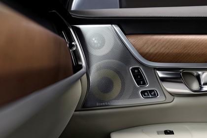 Volvo S90 Innenansicht statisch Studio Detail Bowers & Wilkins Lautsprecher