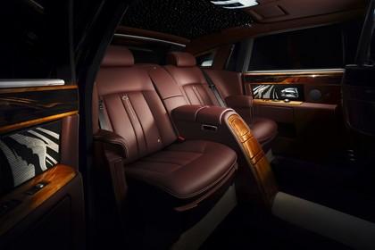 Rolls-Royce Phantom Innenansicht statisch Studio Rücksitze beifahrerseitig