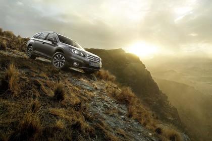 Subaru Outback Aussenansicht Front schräg statisch grau