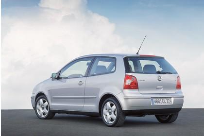 VW Polo IV 9N Dreitürer Aussenansicht Heck schräg statisch grau