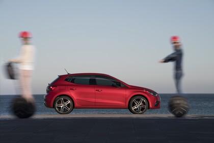 SEAT Ibiza Aussenansicht Seite statisch rot