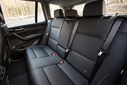 BMW X3 F25 Facelift AInnenansicht Rücksitzbank statisch schwarz