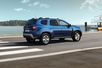 Dacia Duster SR Aussenansicht Seite schräg dynamisch blau